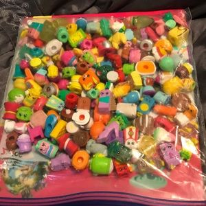 Other - 146 shopkins collectibles set Lot.